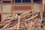 家を解体して売却する場合でも、建物の心理的瑕疵は伝える必要がある